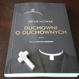 Artur Nowak - Duchowni o duchownych